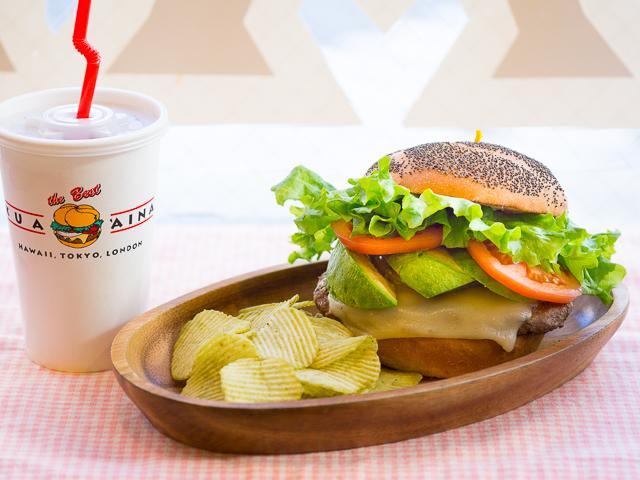 【期間限定】クア・アイナの人気バーガーを再現したカルビーのポテチが旨い!