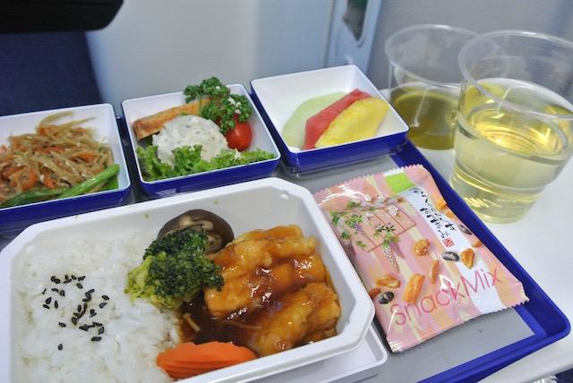 【機内食で世界巡り】台北松山〜東京「全日空」エコノミークラス