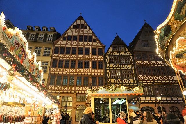 ドイツ屈指の規模と歴史を誇る、フランクフルトのエネルギッシュなクリスマスマーケット