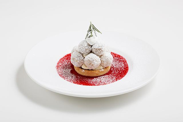 ふんわりミルキークリーム、サクサクスノーボール... 雪を感じるクリスマスデザートが登場!