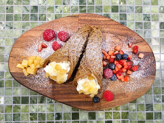イタリアの伝統菓子「チャルダ」の専門店「La Cialda(ラ・チャルダ)」よりホリデイ限定メニュー 『クリスマスチャルダ』の発売がスタート!