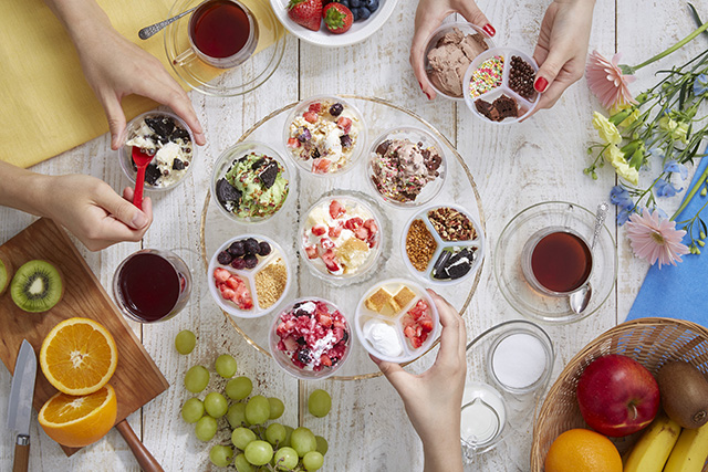 コールドストーンのアイスを自分で「混ぜる」体験ができるテイクアウト商品が登場!