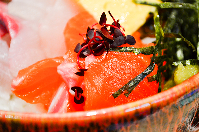 3種類のサーモンの食べ比べができる!サーモン丼専門店が原宿にオープン