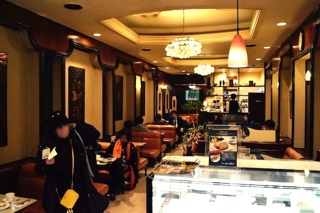「銀ブラ」の語源はこの店!1911年創業でジョンレノンも通った銀座カフェーパウリスタ