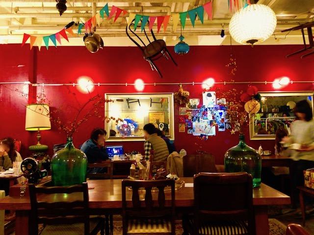【京都】妖艶な雰囲気がステキすぎる!パリのキャバレーの楽屋をイメージした「喫茶ガボール」