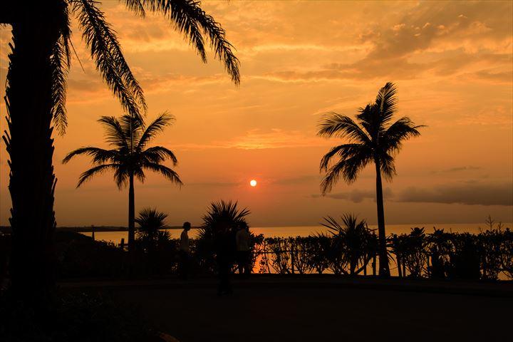 これで夕陽を見逃さない!沖縄で一番夕陽が綺麗に見えるホテルカフーリゾート