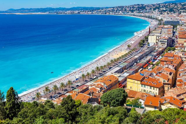 色彩の楽園、南仏コート・ダジュールの美しい町々をめぐるエネルギーチャージの旅