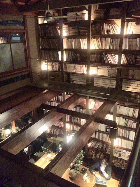 京都の夜がもっと楽しくなる!居心地の良さ抜群のブックカフェ「Cafe Bibliotic Hello!」