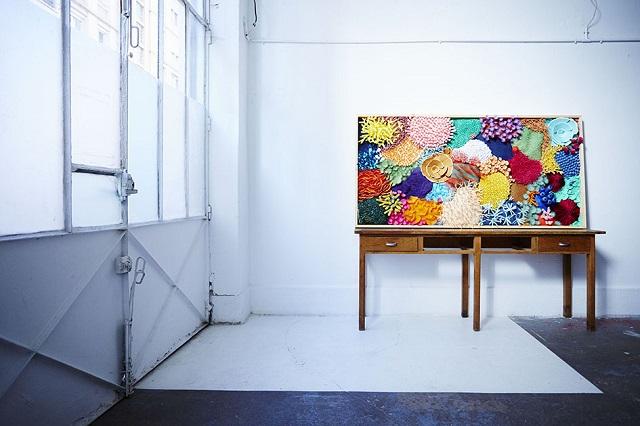 お部屋がサンゴ礁に。仏アーティストが生み出すペーパーアート