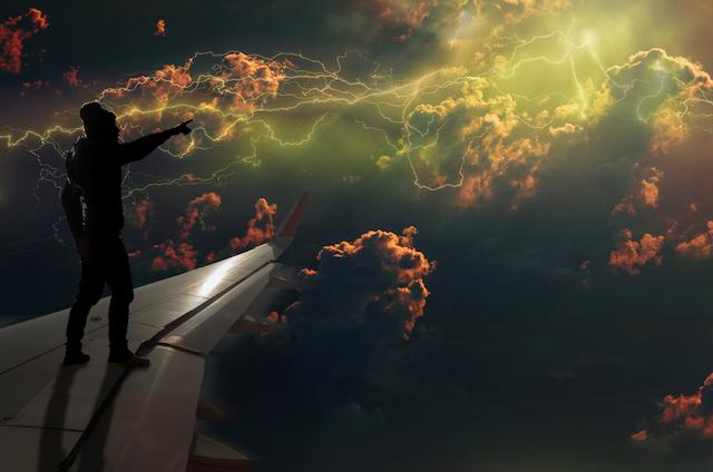 【飛行機トリビア】パイロットも見にくる!三角マークがついている窓の外のあれ。
