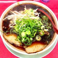 京都人も絶賛のラーメン店!真っ黒なスープが極上の味「新福菜館 本店」