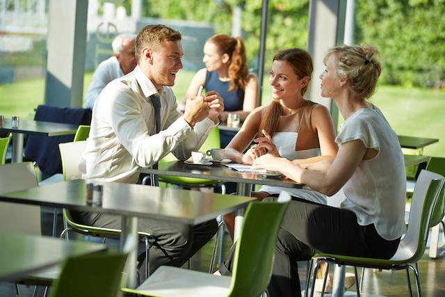 フランス人はランチにワインを躊躇しない フランスオフィスワーカーの昼食事情