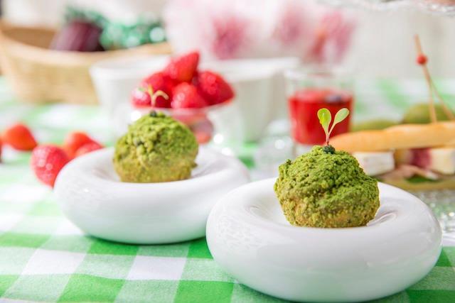 苺と抹茶の幸せな出会い、新緑の季節のフォトジェニックなアフタヌーンティー【ストリングスホテル東京インターコンチネンタル】