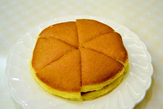 道頓堀の純喫茶「アメリカン」の昔懐かしいホットケーキ