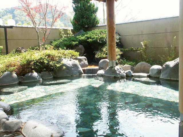 【チープに旅するGWの穴場】300円で伊豆海一望の露天風呂「舟戸の番屋」