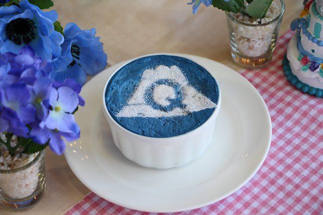 青い花畑と青いスイーツ!青づくしの「ブルーガーデン」で特別な休日を