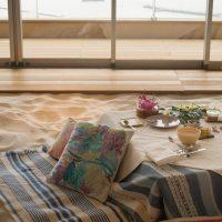 【熱海特集】白砂を敷きつめた天空のブックカフェ「ソラノビーチBooks&Café」【星野リゾート リゾナーレ熱海】