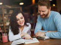 英会話スクールはどれぐらい通うべき? 300人に聞いて分かった、最も役立つ英語学習はコレだ!