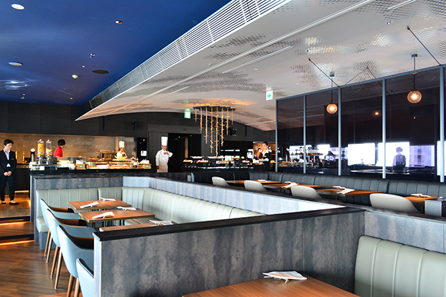 地上200メートルの上空から美味しい料理と大阪の景色を堪能するホテル「アートホテル大阪ベイタワー」が誕生!
