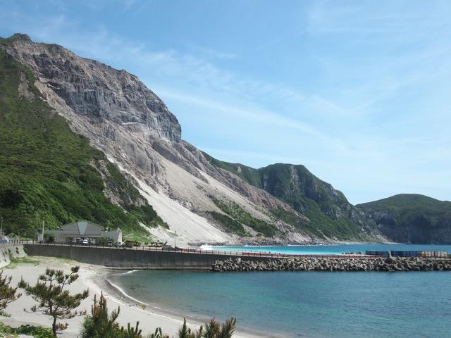 リピートしたくなる東京の離島!山と海どちらも堪能できる魅惑の「神津島」