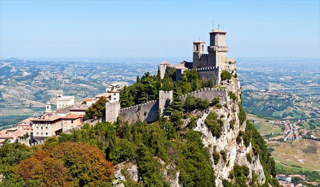 まるでファンタジーの世界、冒険心をくすぐるヨーロッパの城塞都市6選