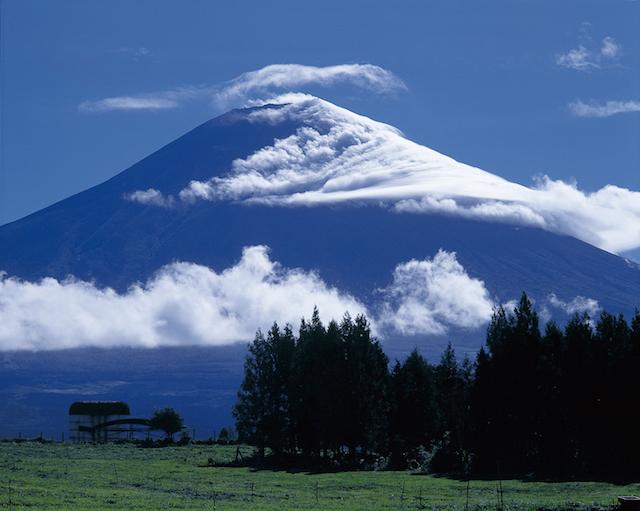 富士山の頂上は誰のもの?国有地または私有地?【あなたの知らない富士山トリビア】