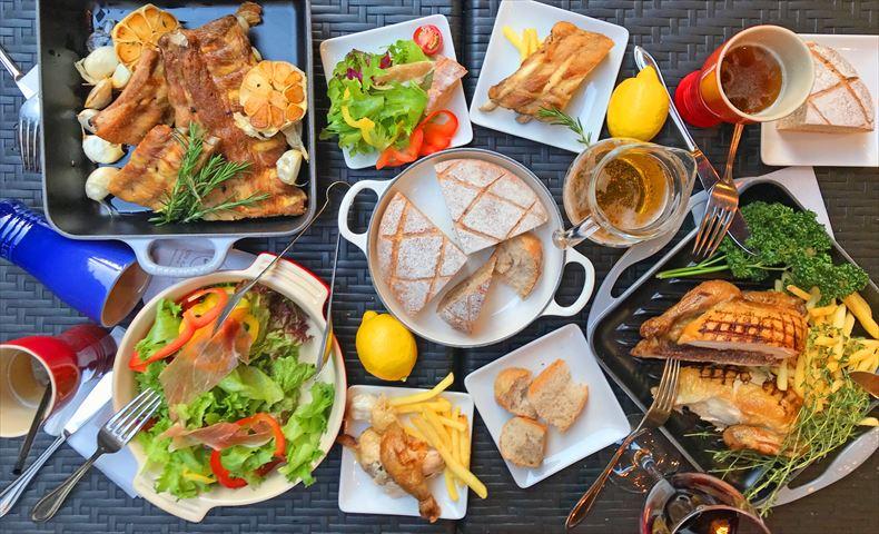 メゾンカイザーとル・クルーゼがコラボ!伝統的なフランスブランドが贈る、お洒落なビアガーデン
