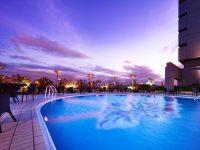 ピンクに染まる大人のためのナイトプール!ホテルニューオータニ大阪の「THE WATER TERRACE」