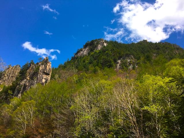 エメラルド色に輝く川をもとめて信州へ。長野の金峰渓谷が宝石のよう