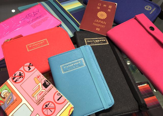 旅行グッズ専門店に聞く、パスポートケース人気ランキング!