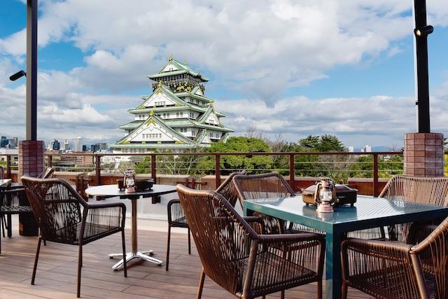大阪城を眺められるビアテラスを確約!期間限定BBQレストラン「BLUE BIRDS ROOF TOP TERRACE」