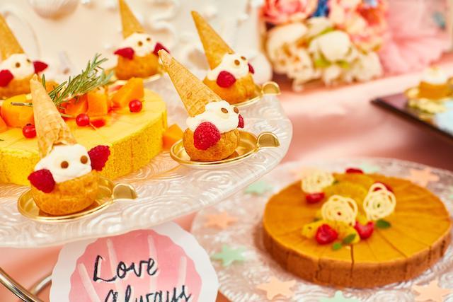 不思議の国のアリスの夏限定アフタヌーンティーと、人魚姫がテーマのデザートブッフェ