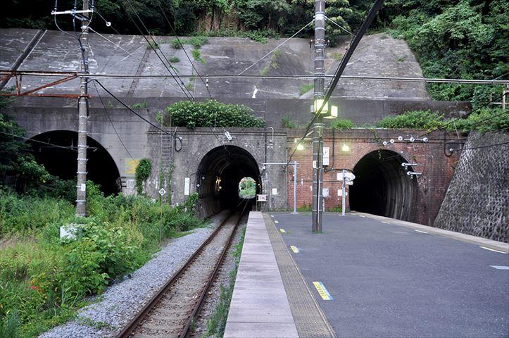 日本で唯一(?)「防空壕のライブハウス」がある街、横須賀