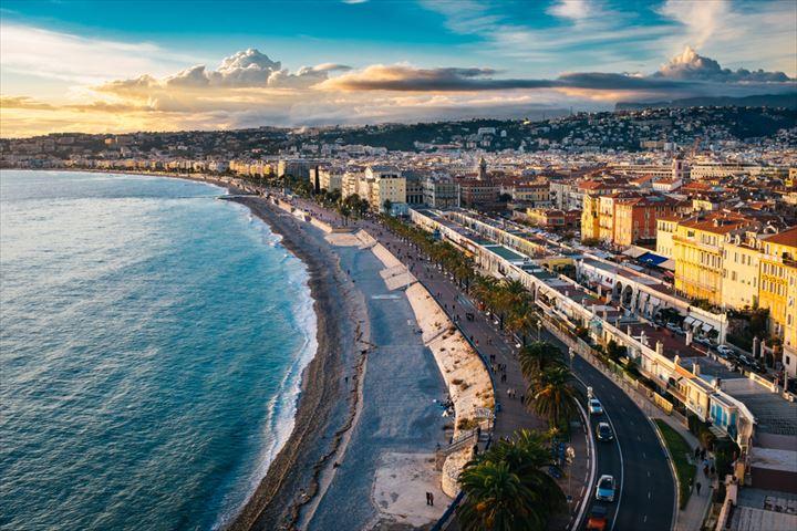 コート・ダジュールの碧い海が美しい!フランス人憧れのリゾート地ニース