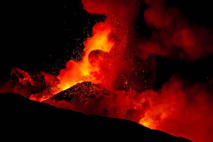シチリアの富士山!世界遺産「エトナ山」をトレッキング