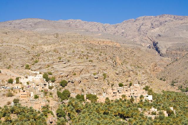 伝統的で昔ながらの生活が今でも残る、オマーンの秘境村「ミスファ」
