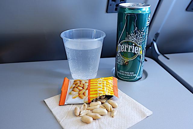 【機内食で世界巡り】香港〜東京「キャセイパシフィック航空」エコノミークラス