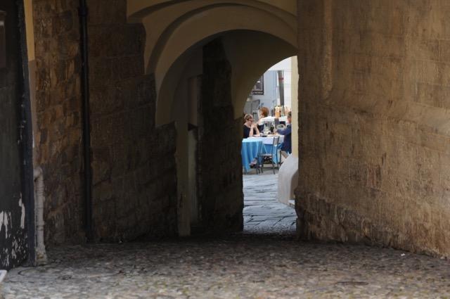 オシャレなフランス人が訪れる、イタリアのカラフルな街サンレーモ