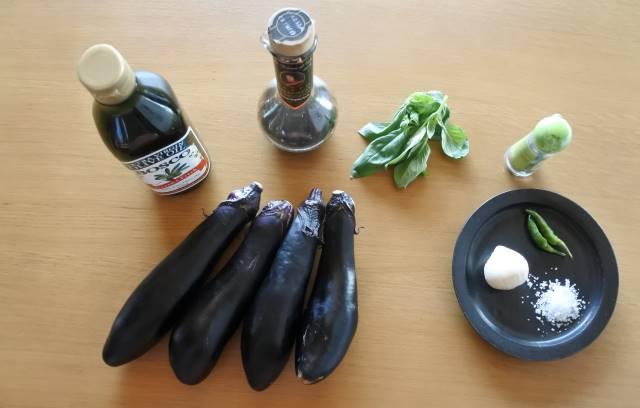 シチリアの家庭で教わった簡単ブルスケッタと素朴なナスのタルタル