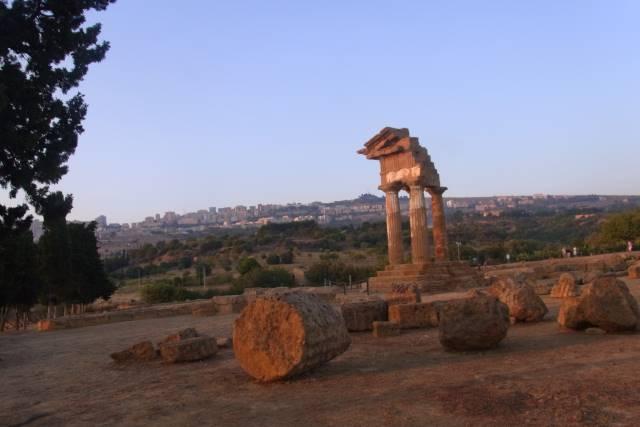 ギリシアよりギリシアらしい? シチリアの神殿の谷