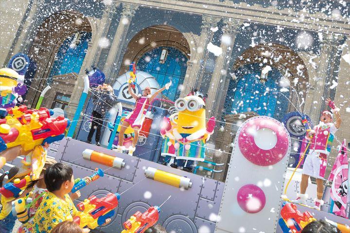ユニバーサル・スタジオ・ジャパンで涼しくなる!?冷たい雪が降り注ぐイベント開催中