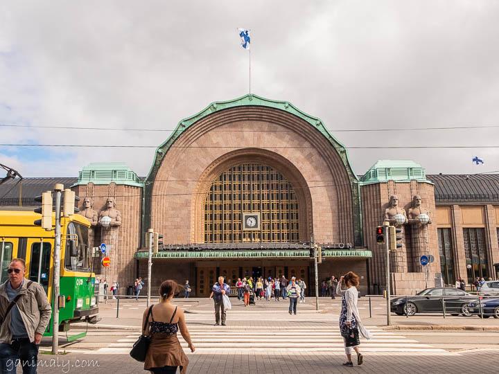 ヘルシンキ駅のアールデコなバーガーキングが美しくて見逃せない!!