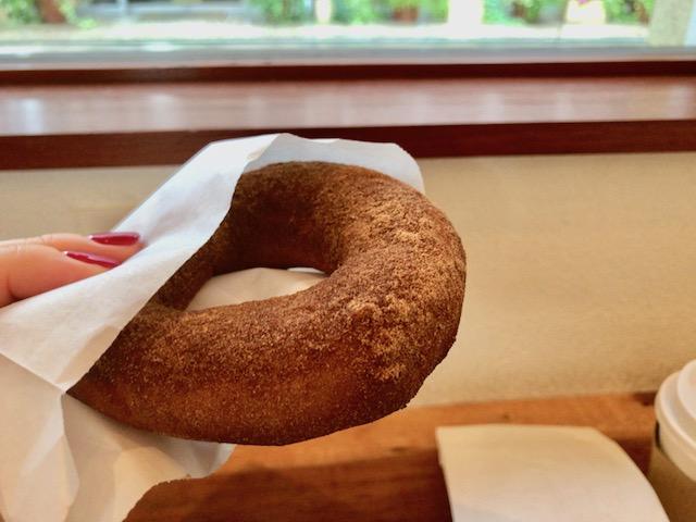 【京都】もちふわの食感とやさしい甘さに誘惑される、ドーナツ専門店「ひつじ」
