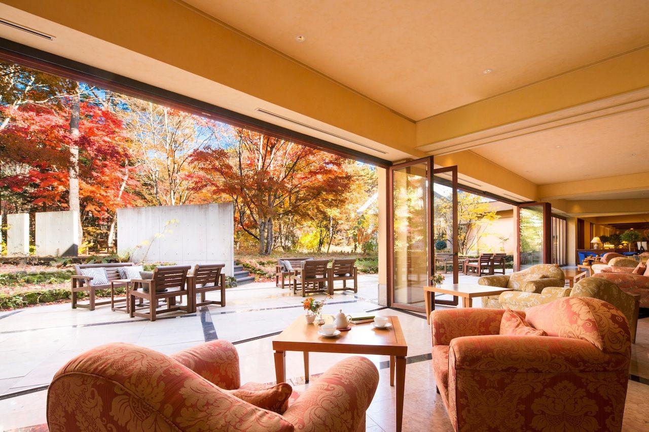 星野リゾート 軽井沢ホテルブレストンコートで秋を感じるアフタヌーンティー