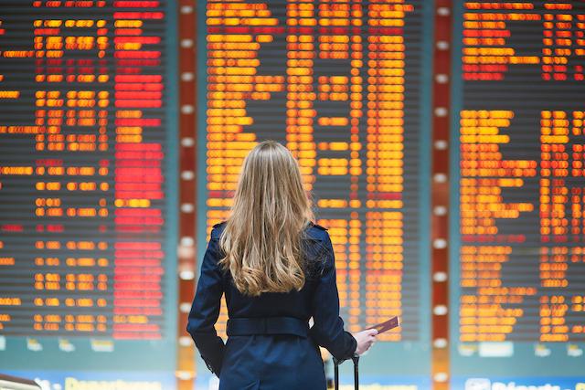 クレーム上手の英会話【空港編】「ロストバゲージを探して」は何て言う?