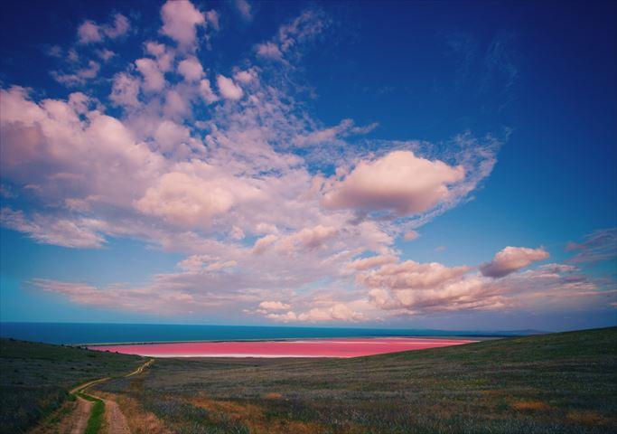 一瞬で元気になれる、世界の幻想的なピンクの絶景7選