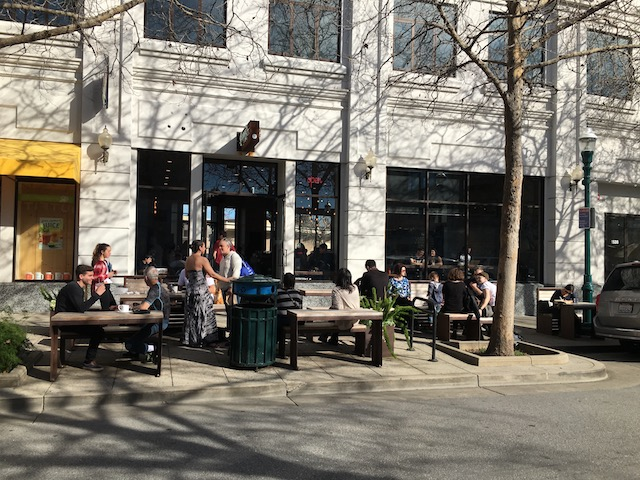 日本で店舗拡大中!カリフォルニアのビーチシティで生まれたコーヒーショップ