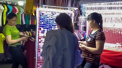 ベトナムのナイトマーケットには女子大興奮の魅力が詰まっていた