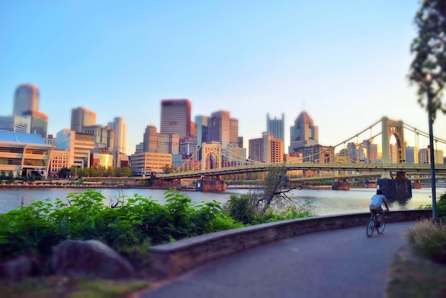 アメリカの歴史を語るうえで欠かせないペンシルベニア州第2の都市、水と橋の都ピッツバーグ