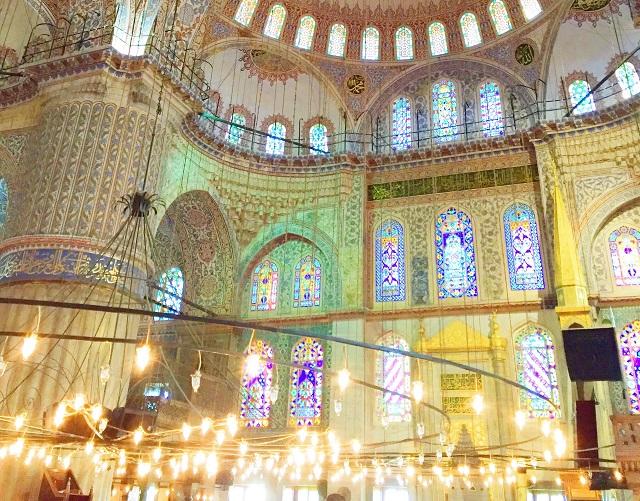 人々を惹きつけて止まないイスタンブールの「青」の魅力